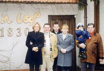 Tomasz Vogt z rodziną od prawej: Tomasz z wnukiem Tomaszkiem żona Grażyna, syn Jan i syn Michał z żoną Jolantą.